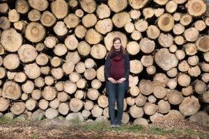 Waarom buiten als het binnen kan? Zwangerschapsfotografie in het bos? Lisa Muller Fotografie
